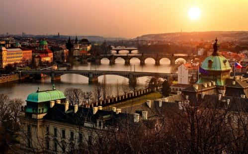 Sunrise-in-Prague-1920x1200